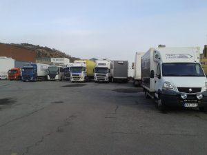 lastbilar och buss